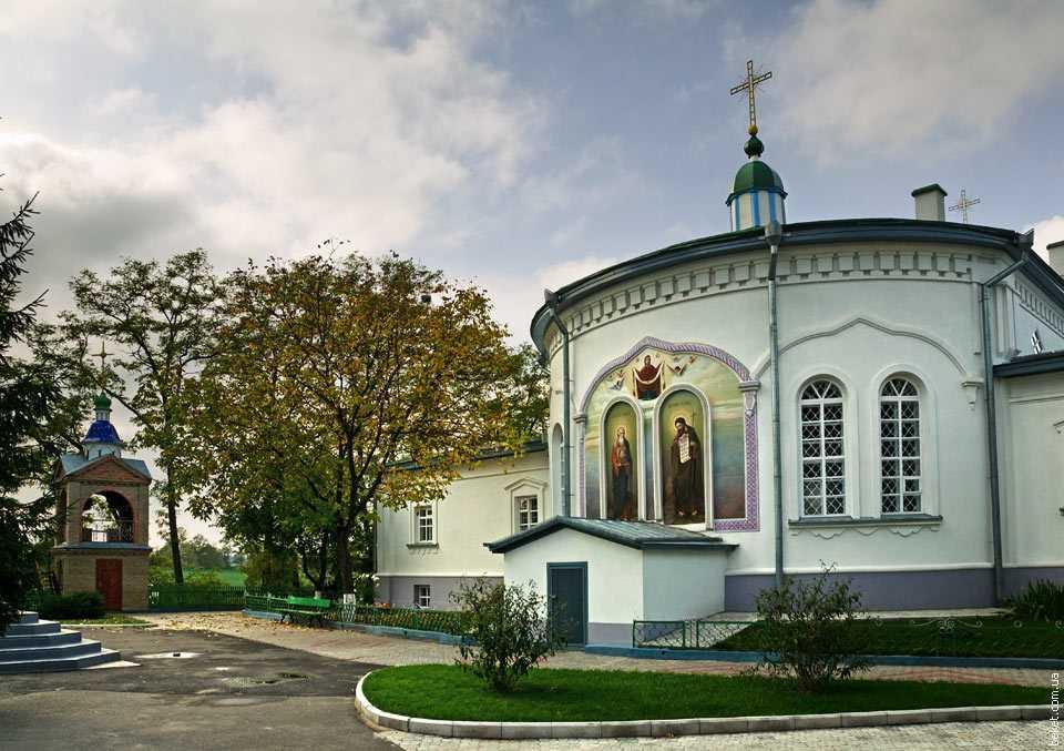 Покровский храм Красногорского монастыря