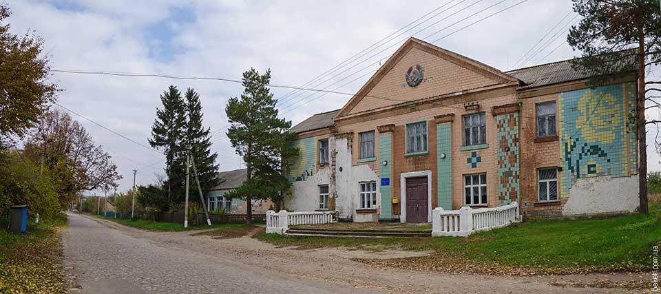Дом Культуры в селе Бирки