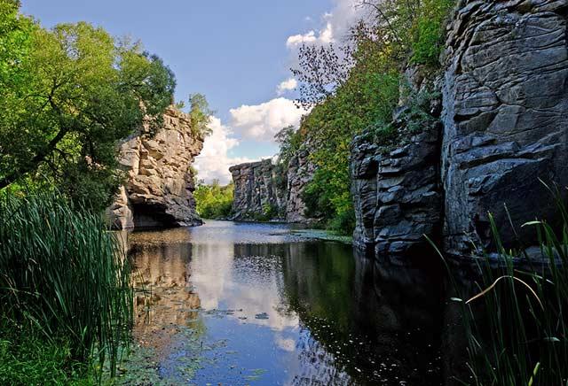 Скальный каньон на реке Горный Тикич 09.09.2012
