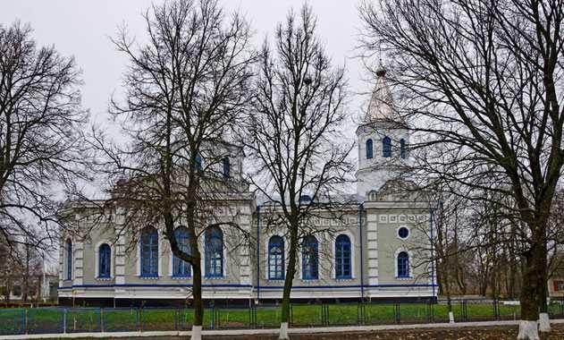 Церковь в селе Бузовка