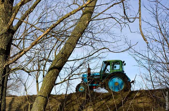 Трактор в Бузукове