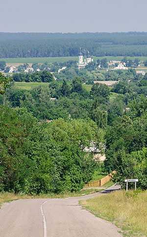 Вид на Николаевскую церковь из Дыбинцы