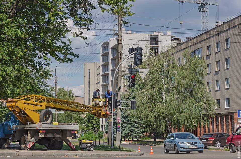 Установка нового светофора в Черкассах