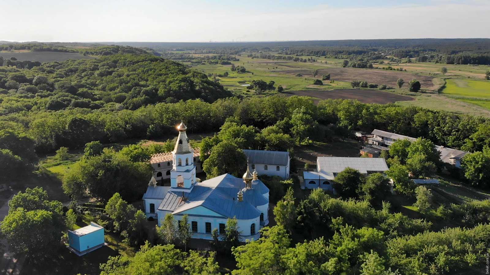 Чубовский монастырь с высоты птичьего полета