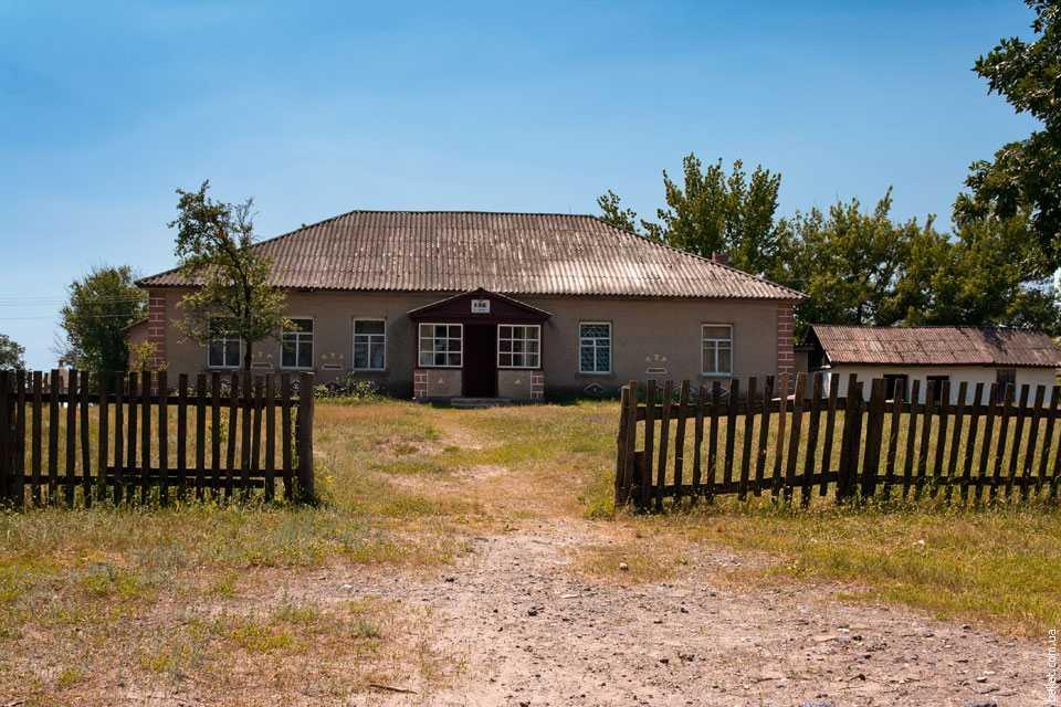 Клуб в селе Дибровка