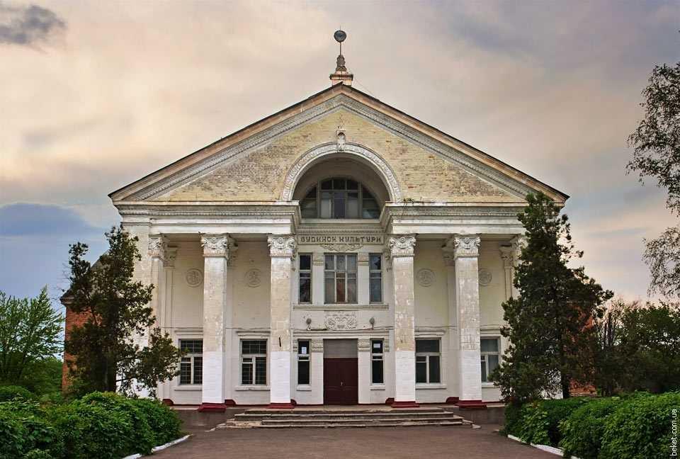 Дом культуры в селе Дмитровка