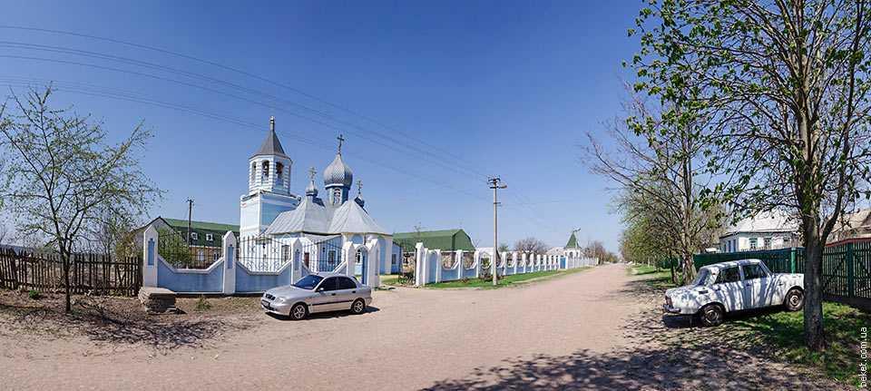 Церковь во имя Богослова в селе Головковка