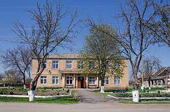 Здание сельского совета в селе Головковка