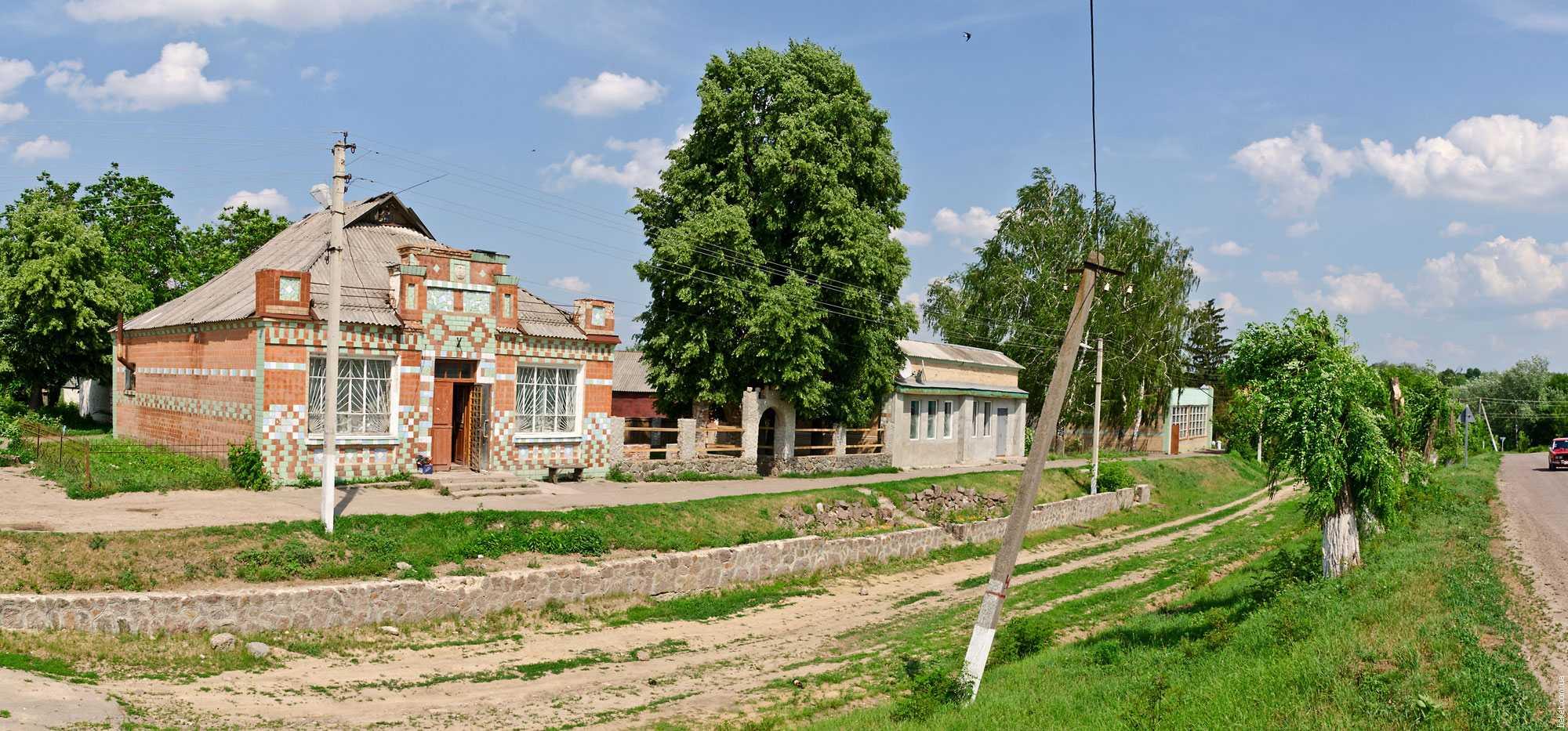 Торгово-развлекательный центр села Грушковка