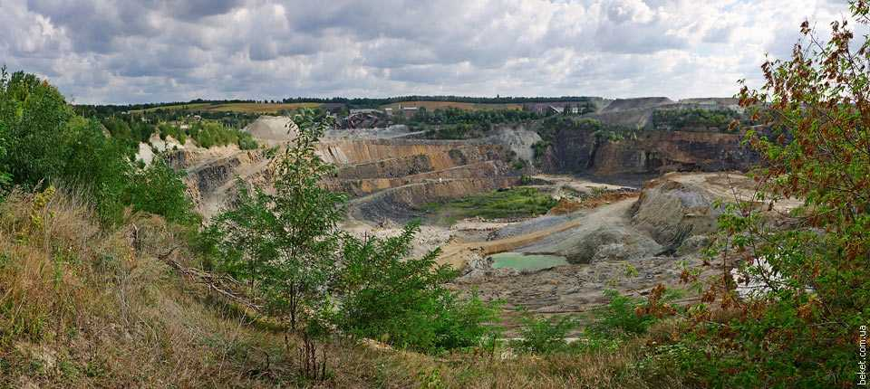 Карьер щебневого завода в Хлыстуновке