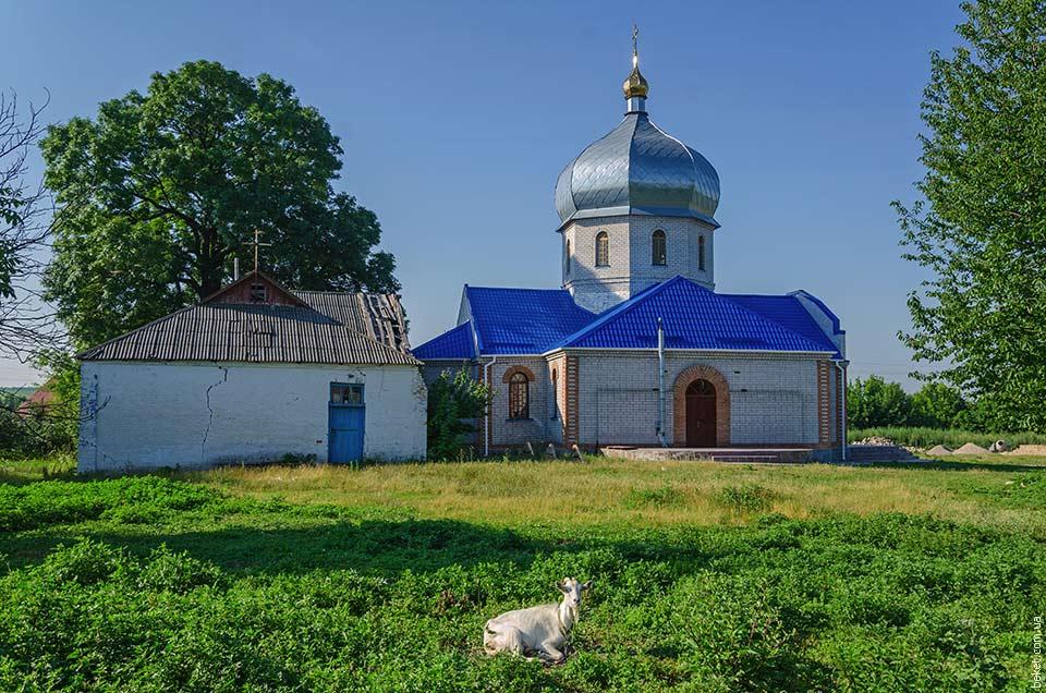 Строительство новой церкви в селе Ивановка