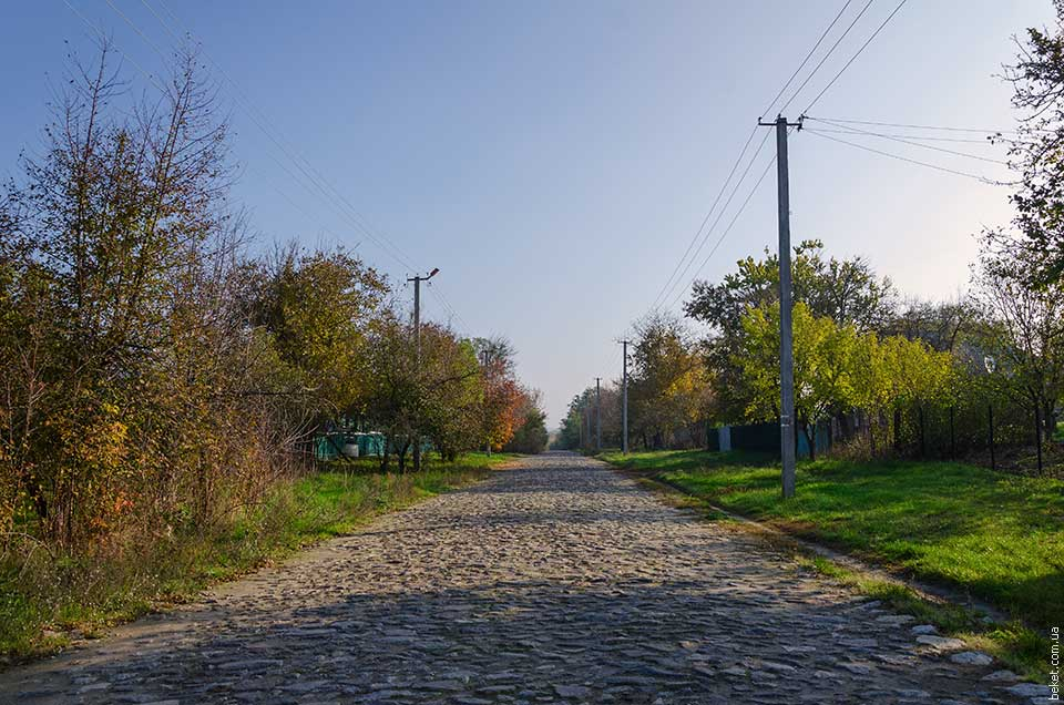 На въезде в село Ивановка, со стороны Поселяновки