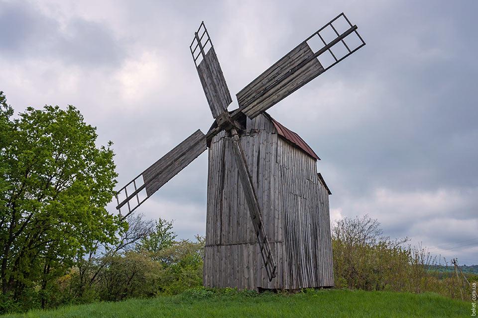 Одинцовская мельница в селе Ивковцы