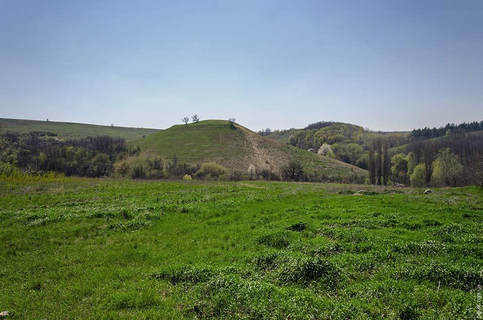 Семидубовая гора в Ивковцах