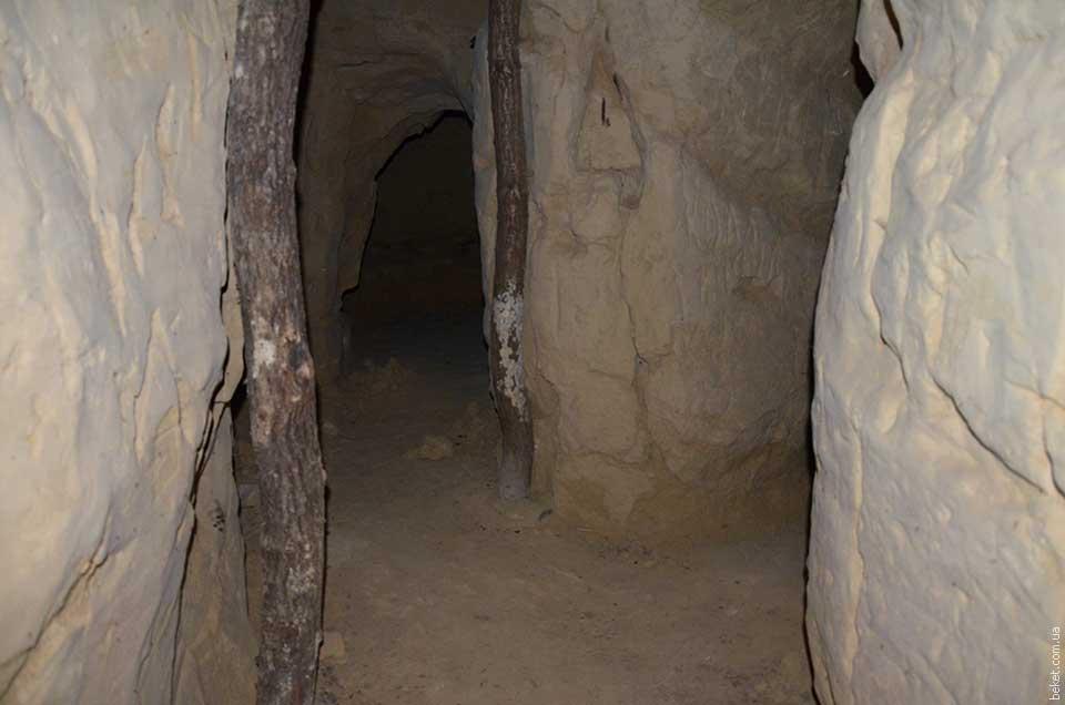 Пещеры Ирдынского Ирдынского Виноградского Свято-Успенского монастыря в селе Малое Староселье