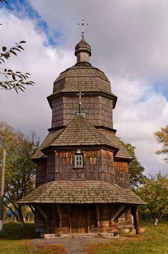 Троицкая церковь в селе Драбовцы