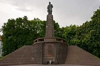 Памятник на могиле Тараса Шевченко