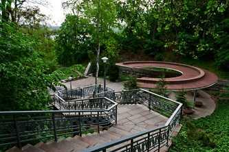 Лестница для подъема на Тарасову гору
