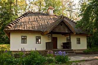 Воссозданная в 1991 году Тарасова светлица, первый народный музей Кобзаря