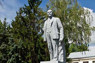 Памятник Ленину в Каневе
