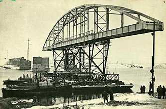 Проведения работ по восстановлению моста в Каневе