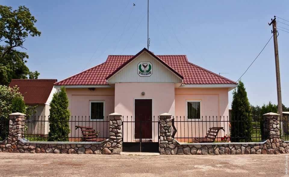 Офис охотничьего хозяйства в селе Комаровка