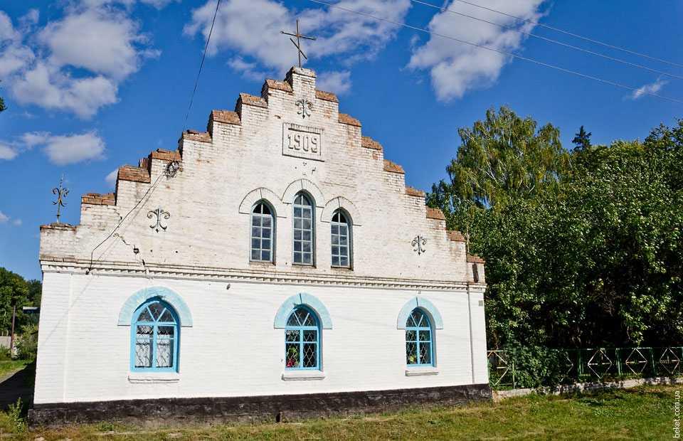 Церковь в селе Казацкое