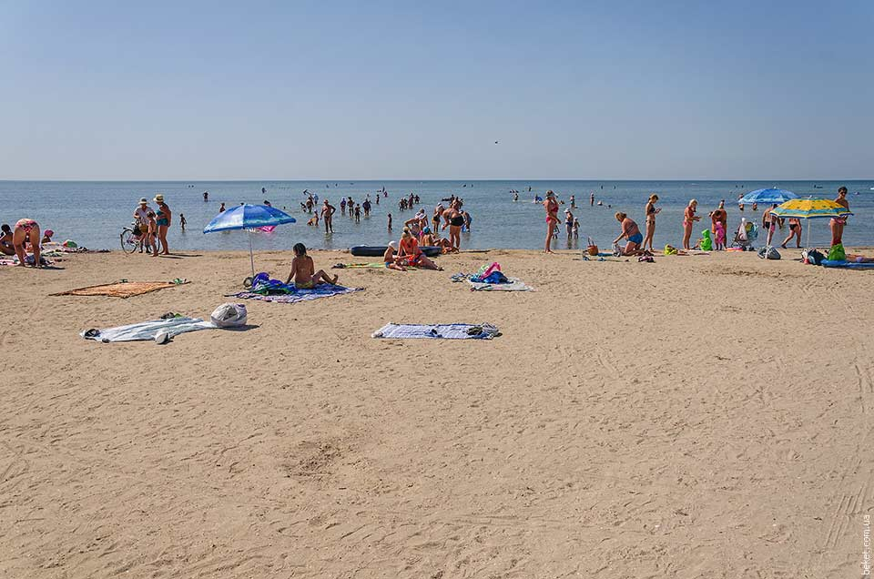 Пляж в селе Красное