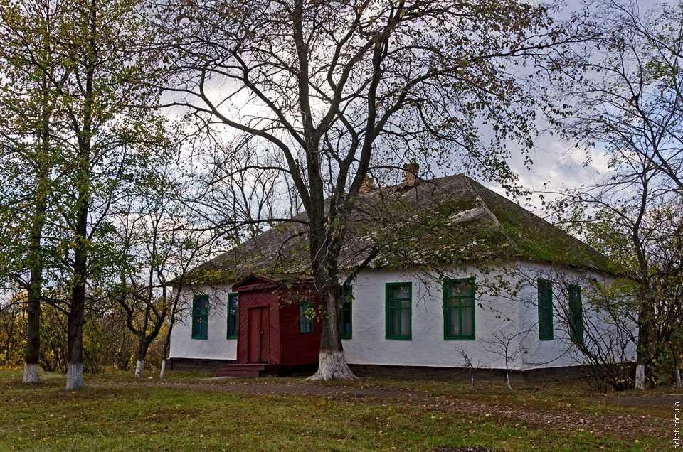 Библиотека в селе Львовка