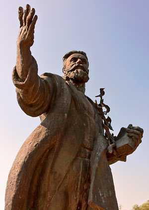 Памятник Л.П.Симиренко