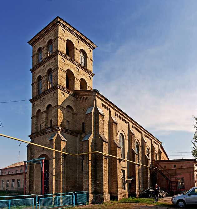 Римо-католический костел в селе Мошны