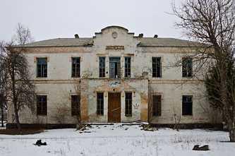Бывшая эллинская школа в Мошнах