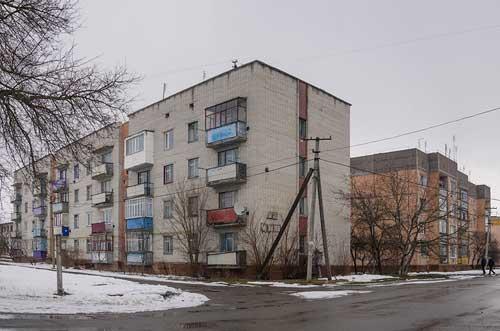 Многоквартирные дома в селе Песчаное