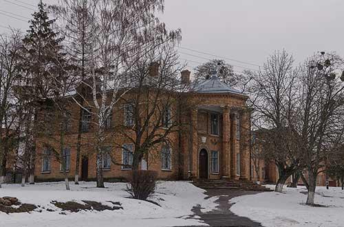 Здание сельского совета в Песчаном