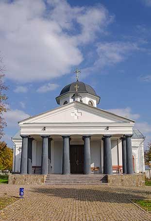 Крестовоздвиженская церковь-усыпальница Раевских
