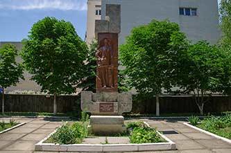 Памятник С.Б. Скадовскому