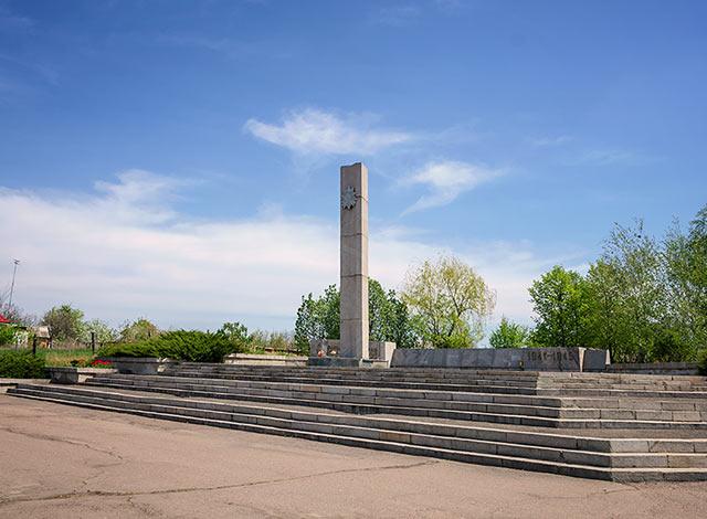 Обелиск Славы в Старом Коврае