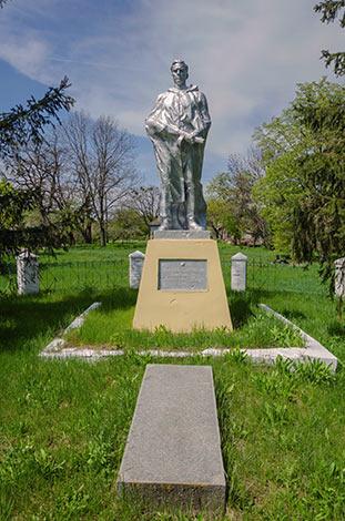 Памятник погибшим воинам во второй мировой войне