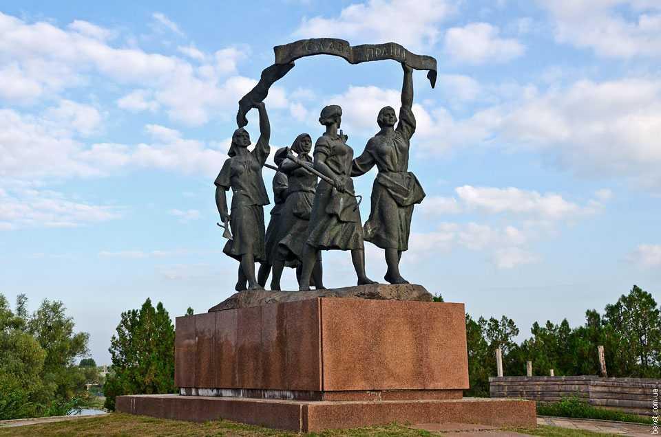 Памятник в селе Староселье