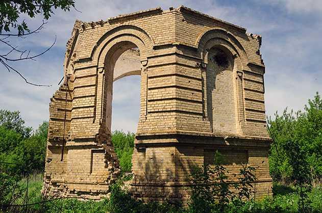 В советский период церковь была частично разрушена