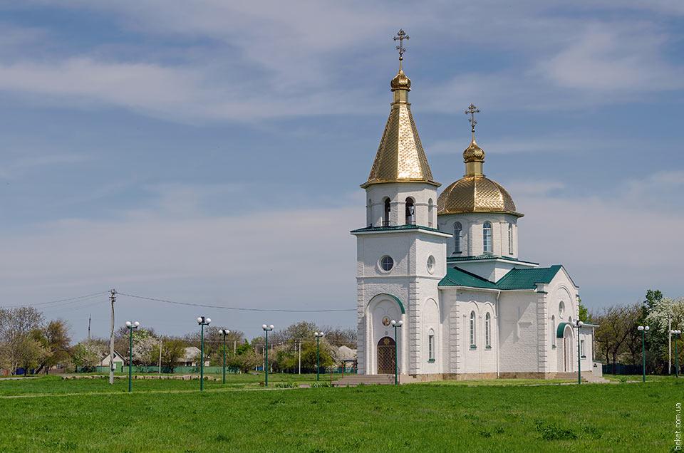 Церковь в селе Васютинцы