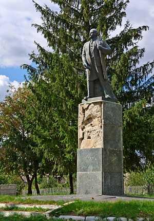 Памятник Ленину в селе Вязовок