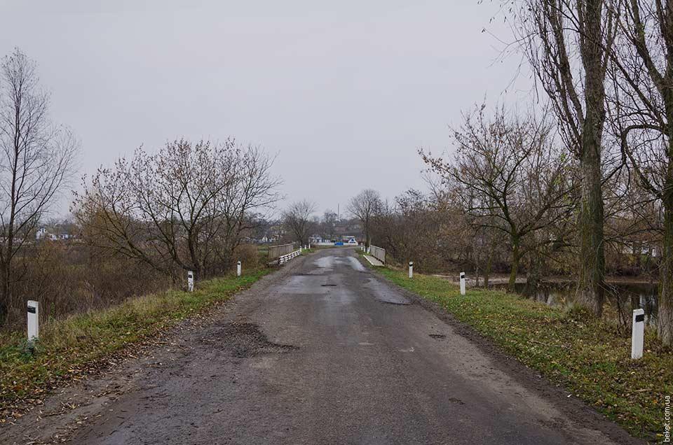 На въезд в село Зеленый Рог